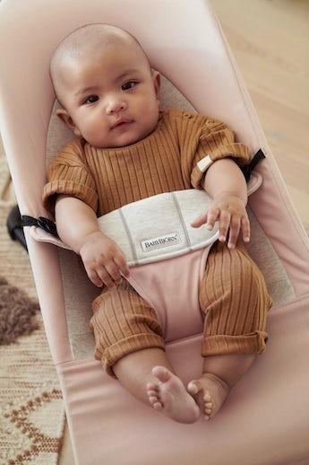 Babywippe Balance Soft Hellrosa/Beige Baumwolle Jersey - BABYBJÖRN