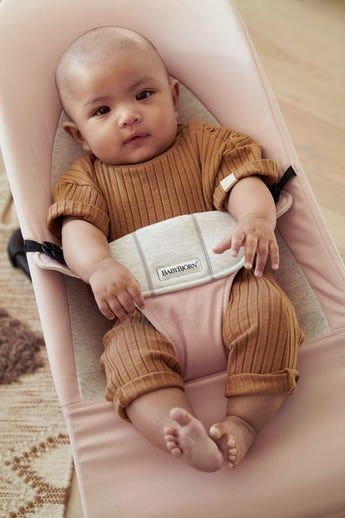 Bouncer Balance Soft in Light PInk and Grey Cotton Jersey - BABYBJÖRN