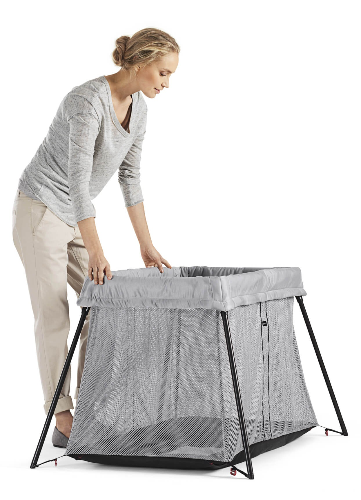Easy-to-store-carry-and-stow-in-any-baggage-space-Travel-Crib-Light-BabyBjorn