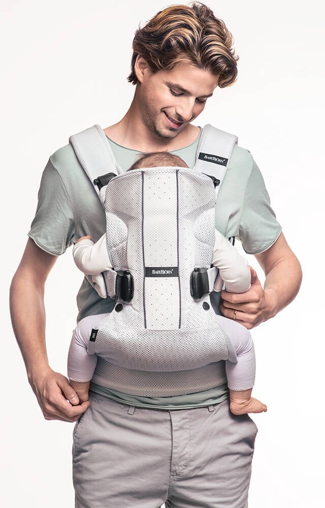 ergonoic-baby-carrier-one-air-inwards-babybjorn
