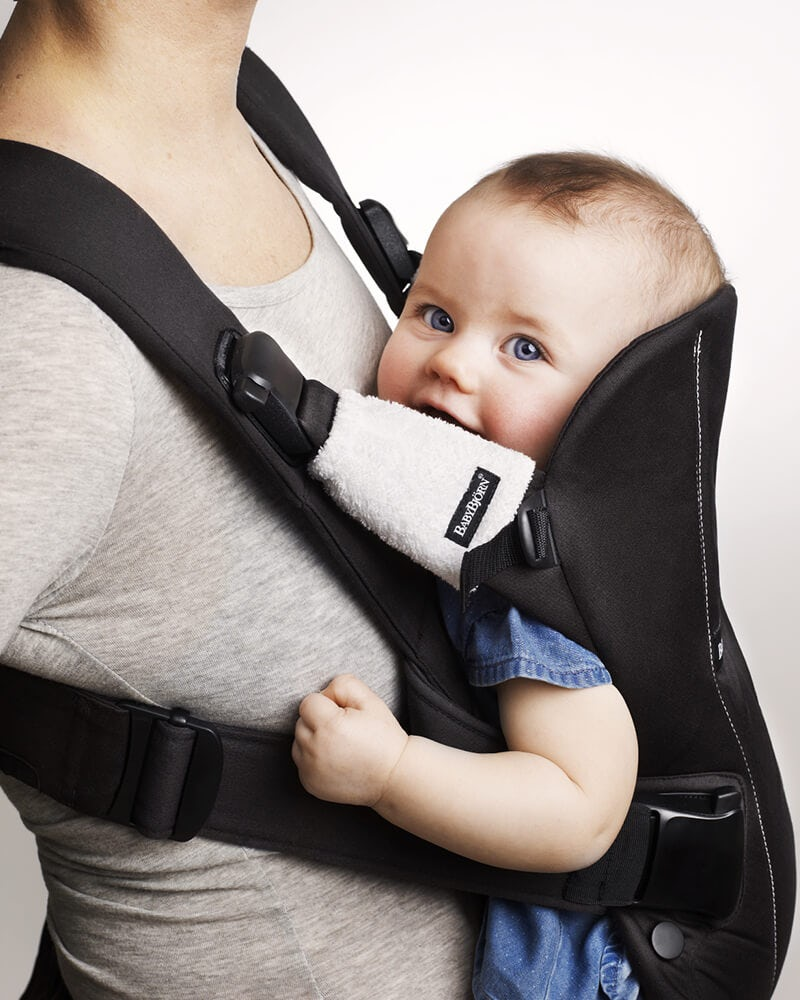 protect-your-baby-carrier-with-teething-pads-for-baby-carrier-from-babybjorn