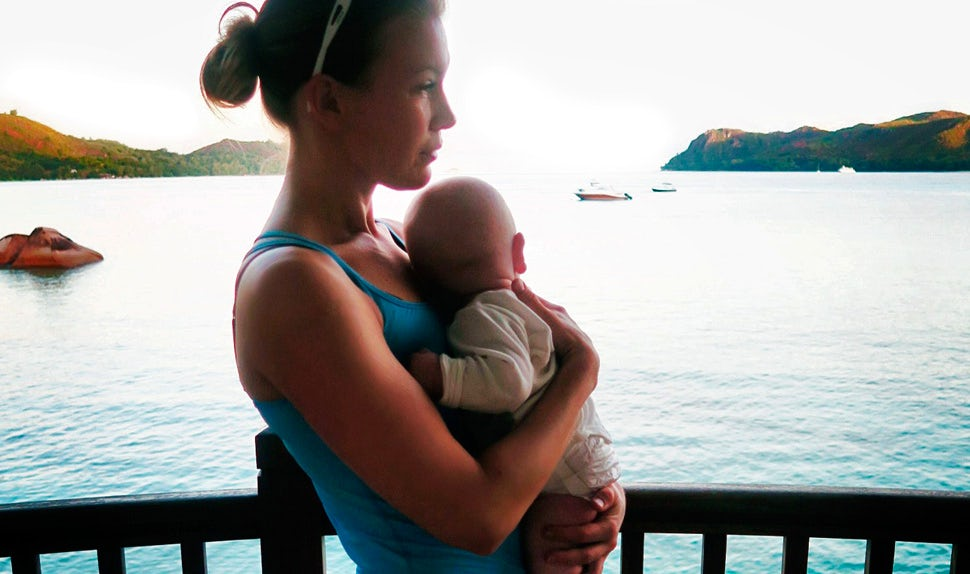 BABYBJÖRN Magazine – Petra Månström travelled to the Seychelles with her young son.