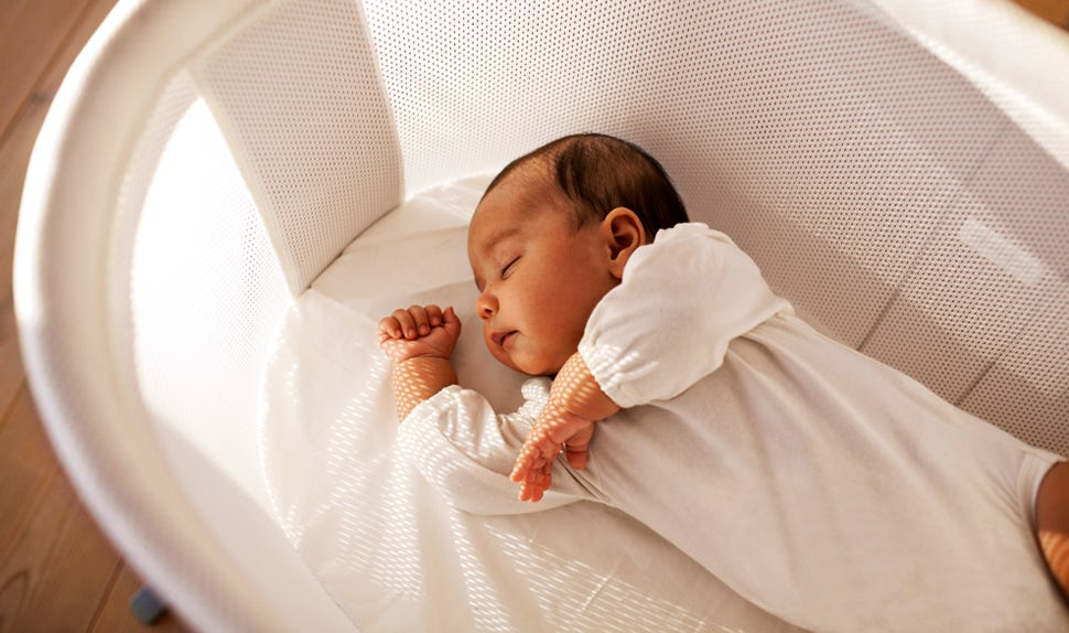 BABYBJÖRN Magazine – Newborn sleep a lot during the first weeks of life.