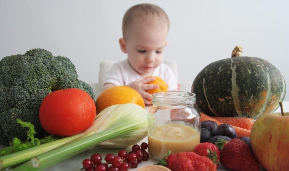 Revista BABYBJÖRN – Hacer comida para bebés en casa es sencillo. La bloguera francesa Christine ofrece sus consejos y ayuda.
