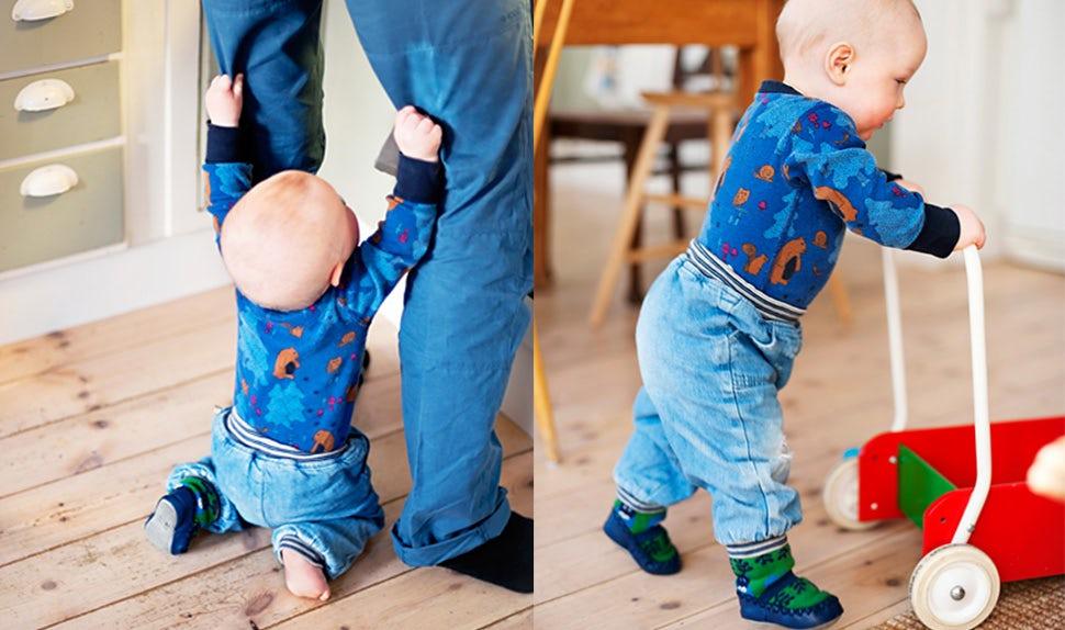 BABYBJÖRN Magazin – Wann lernt ein Baby laufen? Ein Baby, das laufen lernt.