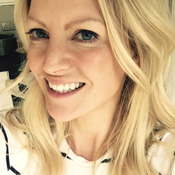BABYBJÖRN Föräldramagasin – Alicia Irvine-MacDougall driver bloggen Editor's Beauty.