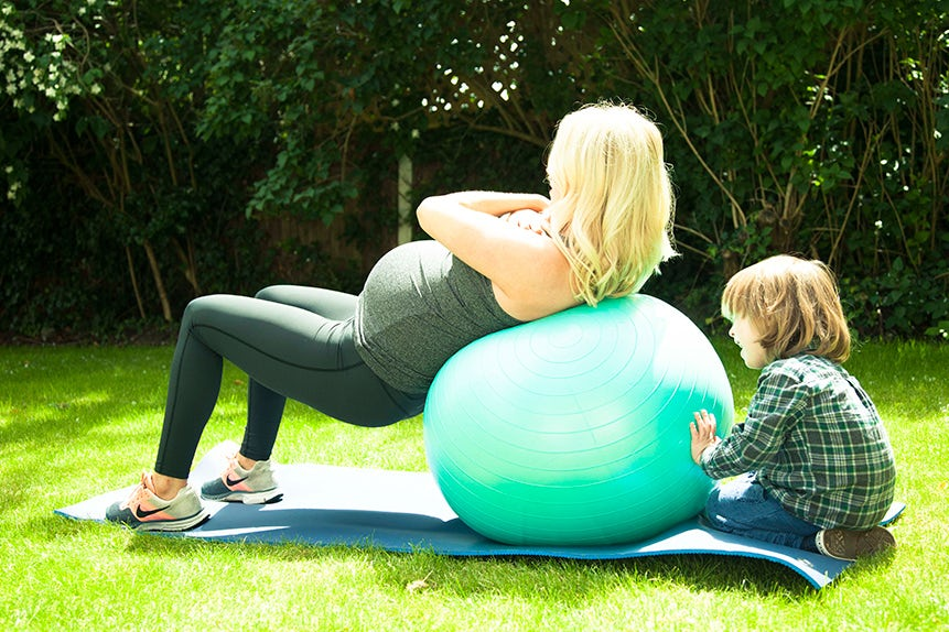 Stay-fit-during-pregnancy-5