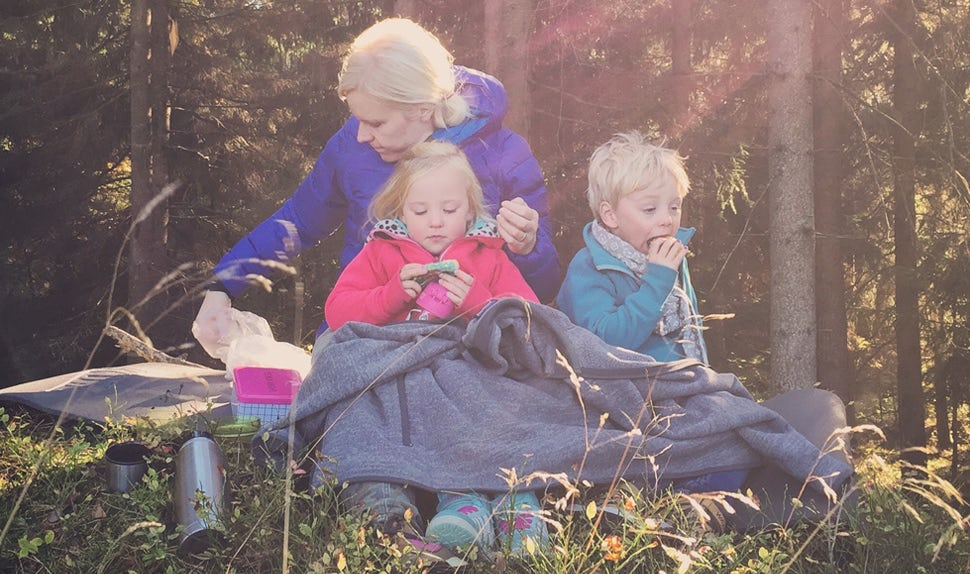 BABYBJÖRN Magazine – Joacim and Karolina Winqvist enjoy food and woodland outings in their spare time. On their Matkoma blog, they share tips for families about simpler and tastier everyday food.