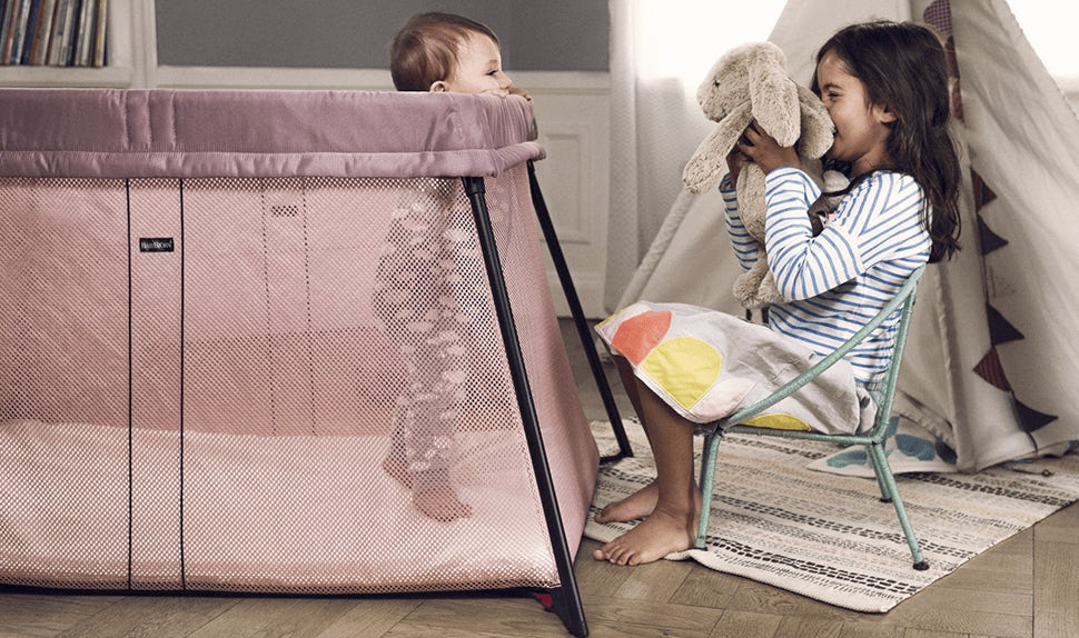 Travel Crib Light Pink BABYBJÖRN