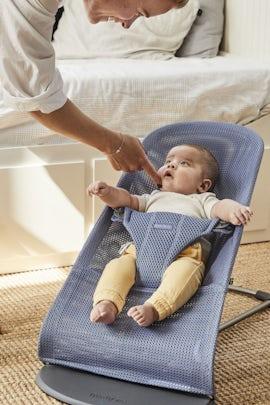 Babysitter Bliss Gråblå Mesh - BABYBJÖRN