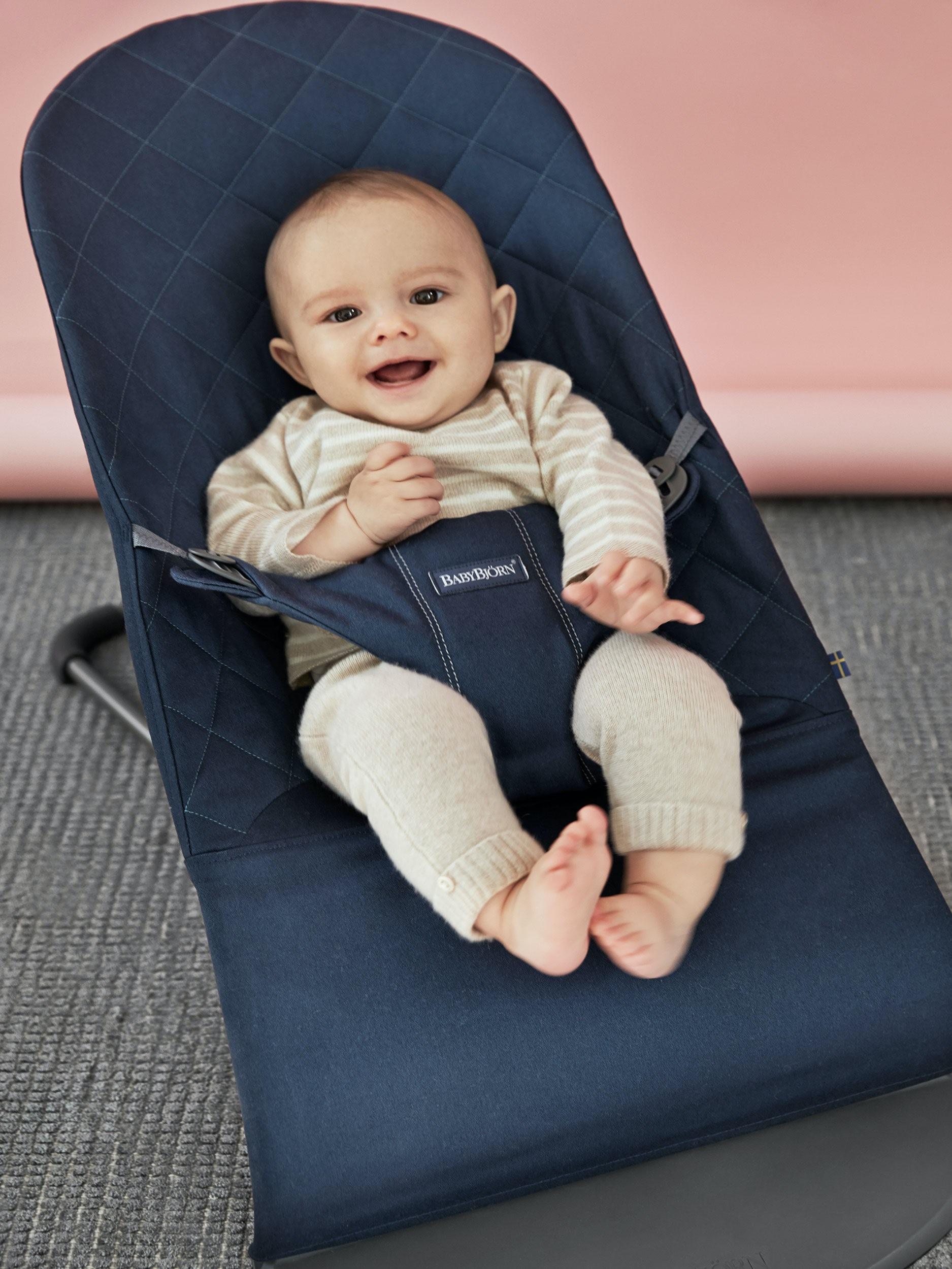 Babysitter Bliss i Midnattsblå Cotton - BABYBJÖRN