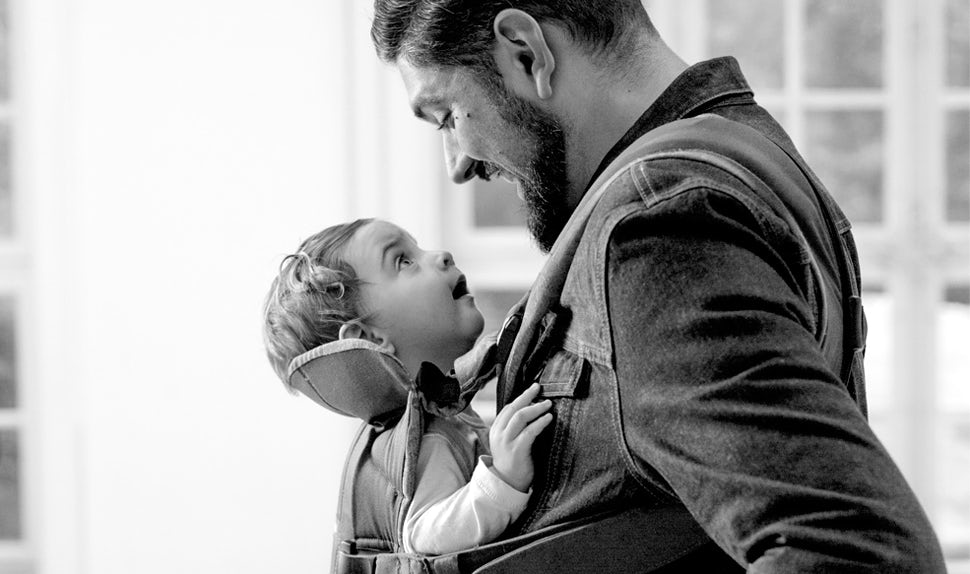 BABYBJÖRN Magazin – Dadstories. Hier berichtet Vater Kim über die IVF-Behandlung und wie sie Eltern wurden.