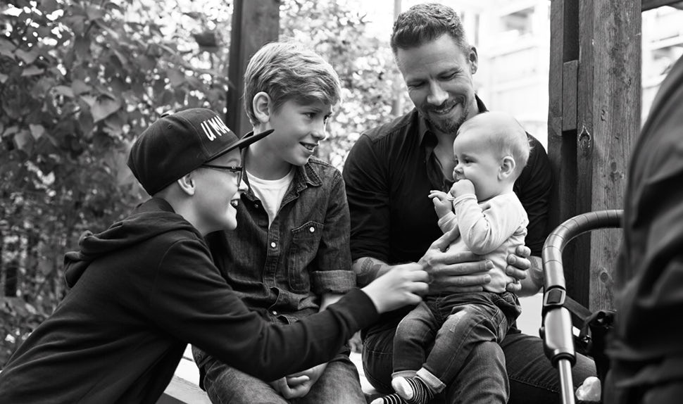 BABYBJÖRN Magazine for Parents – Dadstories: dad Stefan describes what it's like to have a baby when your other children are much older.