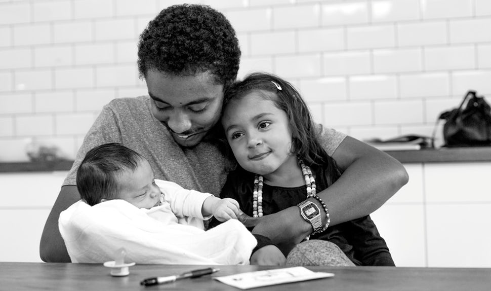 BABYBJÖRN Föräldramagasin – Dadstories, här berättar pappan William om att inte känna sig redo att bli förälder.