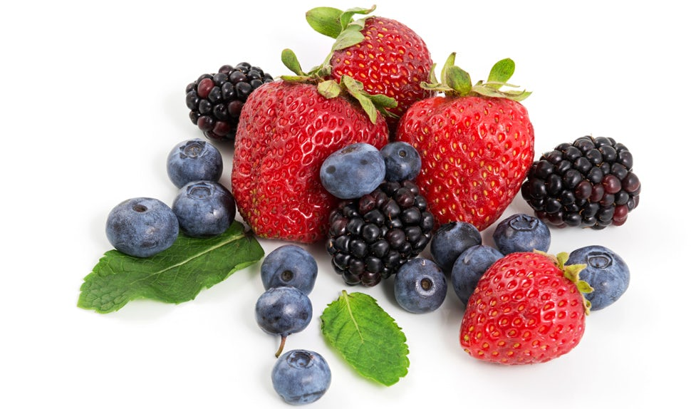 BABYBJÖRN Magazine – Blueberries, strawberries and blackberries are good for your skin after pregnancy.