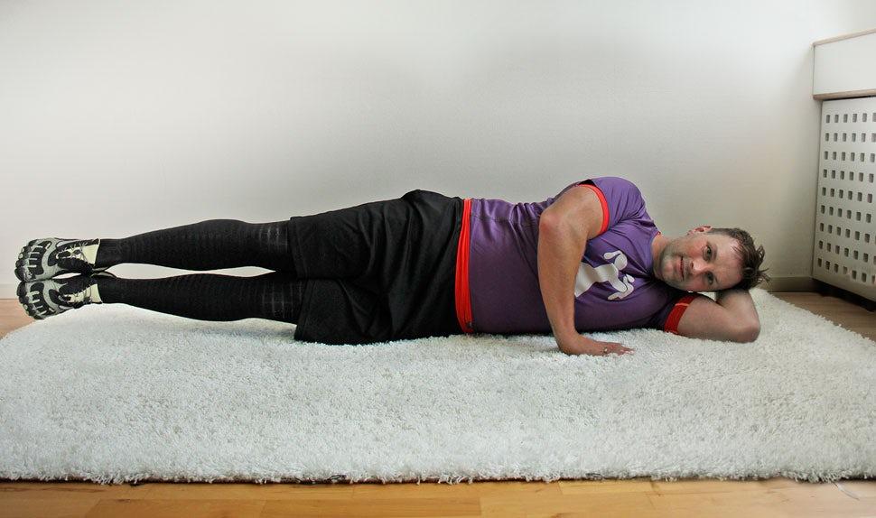 BABYBJÖRN Föräldramagasin – René Rodig från Mamifitness visar bäckenbottenträning som är bra efter förlossningen.