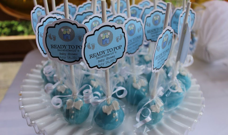 BABYBJÖRN Magazine – Baby shower giveaway cake pops for the guests