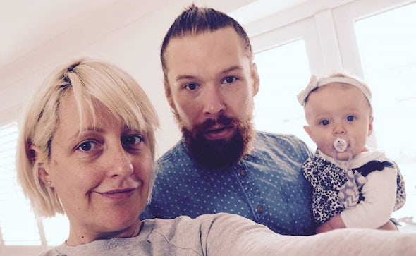 BABYBJÖRN Magazine – Blogger Cat Sims from Not So Smug Now and her family.
