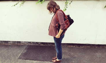 BABYBJÖRN Magazine – UK blogger Nicola Friend is questioning whether hypnobirthing really works, here pregnant with her first child.