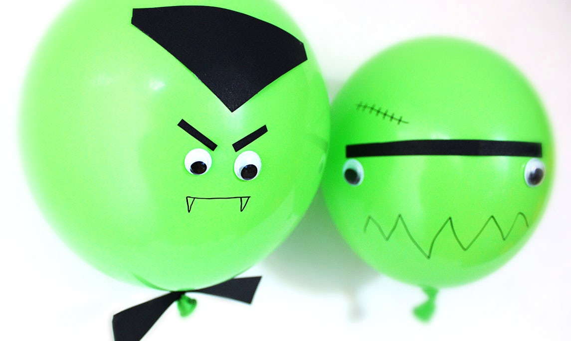 BABYBJÖRN Magazine – DIY Halloween decorations: Dracula and Frankenstein's monster made of ghastly green balloons.