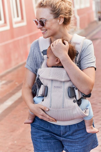 Baby Carrier One Air in cool and airy mesh - BABYBJÖRN