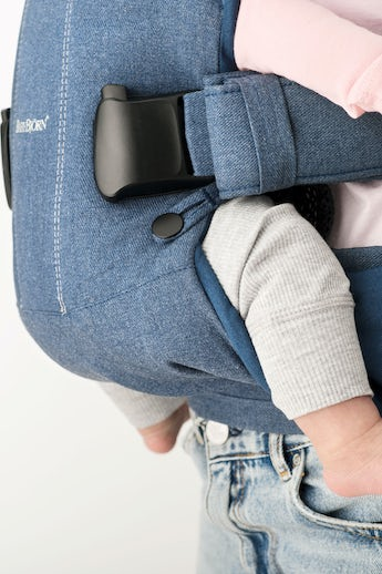 Baby Carrier One in Denim Midnight Blue Cotton-mix - BABYBJÖRN