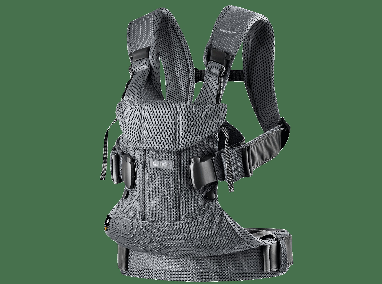 Bärsele One i antracitgrå mesh, en ergonomisk, mjuk och flexibel bärsele som kan användas från nyfödd till 3 år, även framåtvänt och ryggbärande.