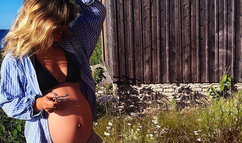 BABYBJÖRN Föräldramagasin – Gravida Klara Svensson ger tips inför förlossningen.
