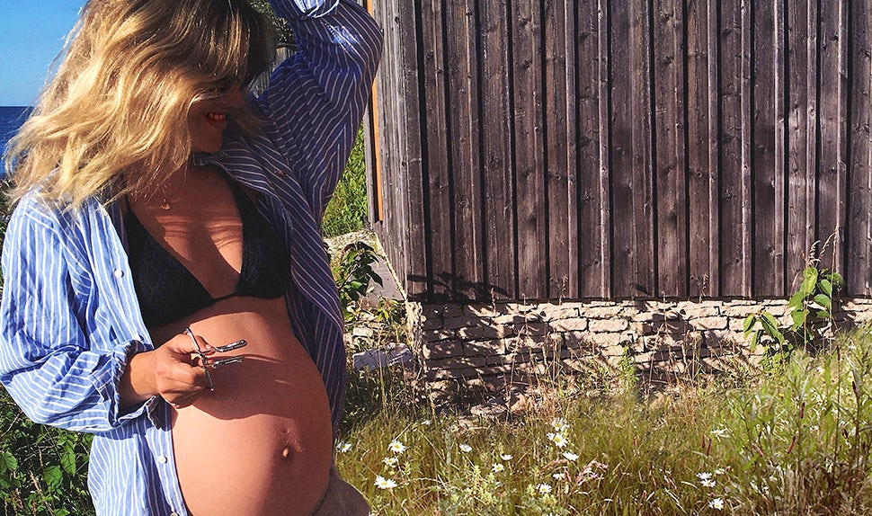 BABYBJÖRN Magazine – A pregnant Klara Svensson shares empowering advice for those of you preparing for birth.