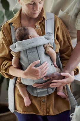 Baby Carrier Mini in light grey 3D Jersey - BABYBJÖRN