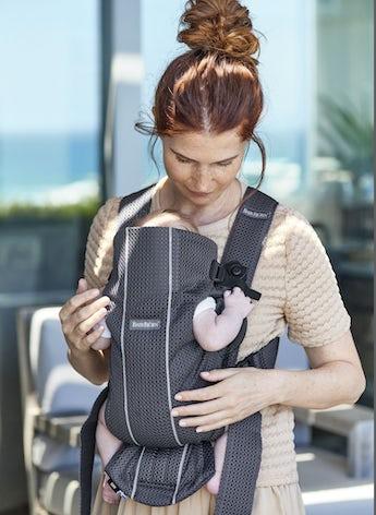 Babytrage Mini Anthrazitgrau in luftigem 3D Mesh - BABYBJÖRN