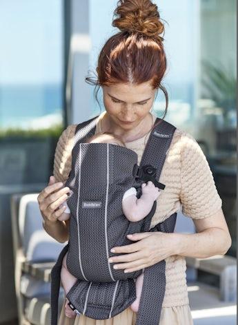Porte-bébé Mini Anthracite en Mesh 3D, une maille filet fraiche et aérée - BABYBJÖRN