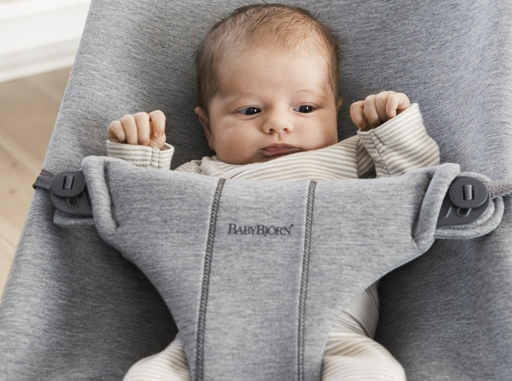 Bouncer Bliss 3D Jersey Light grey 006072 - BABYBJÖRN Ergonomic baby bouncer that gives your newborn the proper support