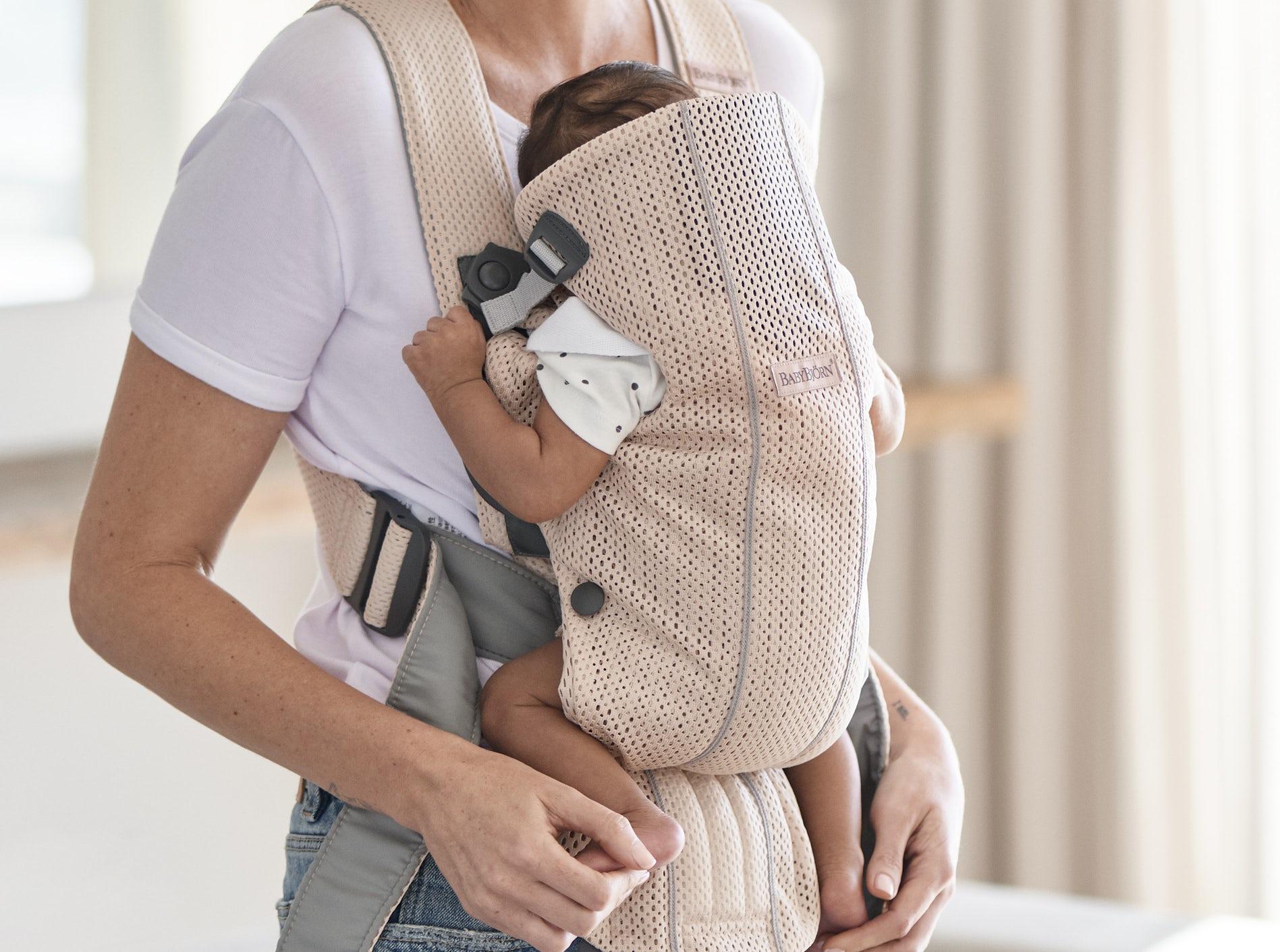 Mochila Porta Bebé Mini – ¡Novedad! Rosa perla 3D Mesh 021001 - BABYBJÖRN