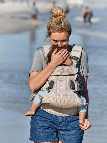 Baby Carrier One Air in airy Mesh, Pearly Pink - BABYBJÖRN