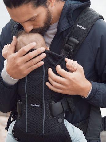 Babytrage One Air Schwarz 3D Mesh - BABYBJÖRN