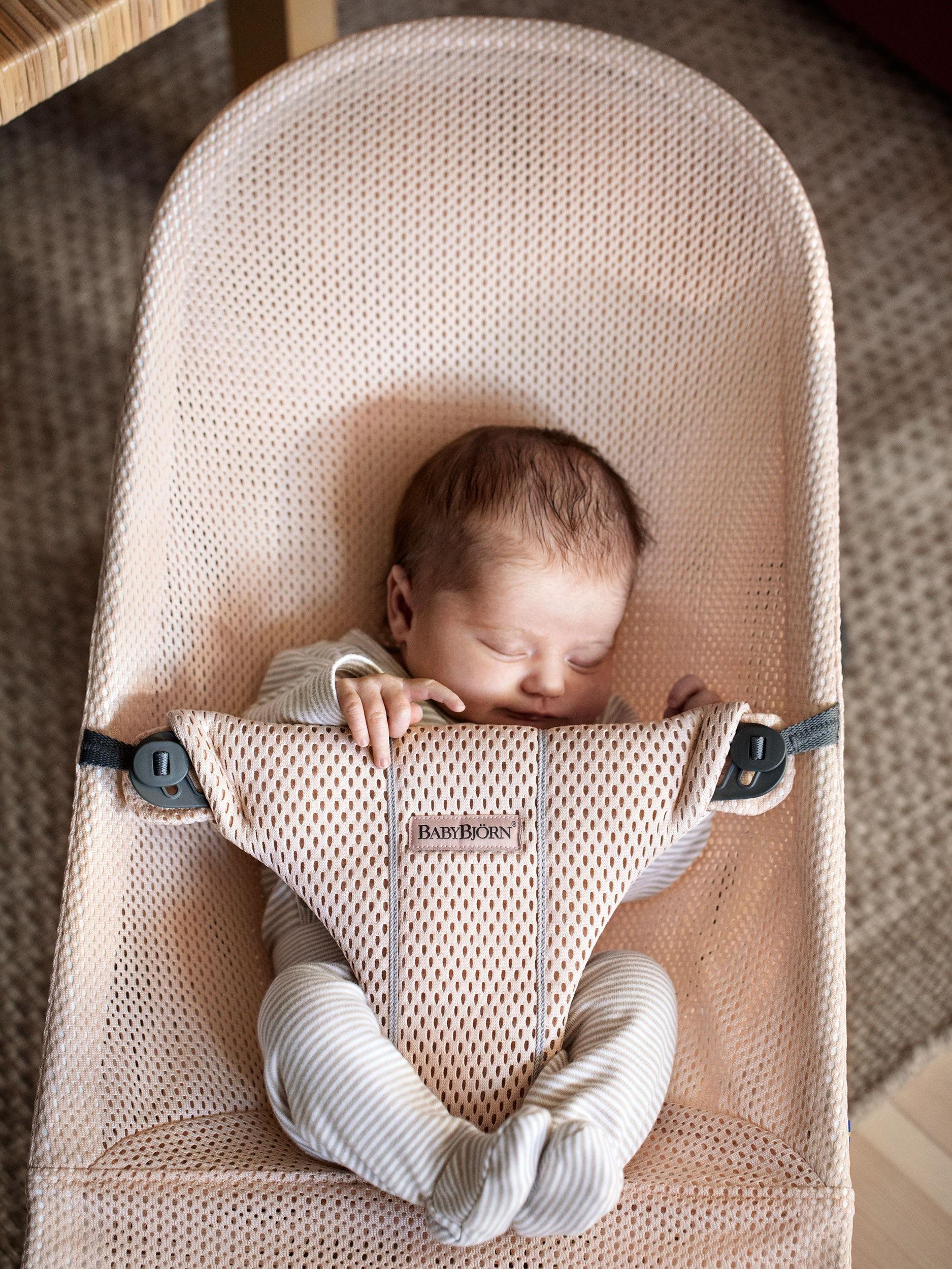57fa83b35 Hamaca Bliss: acogedora desde recién nacido | BABYBJÖRN