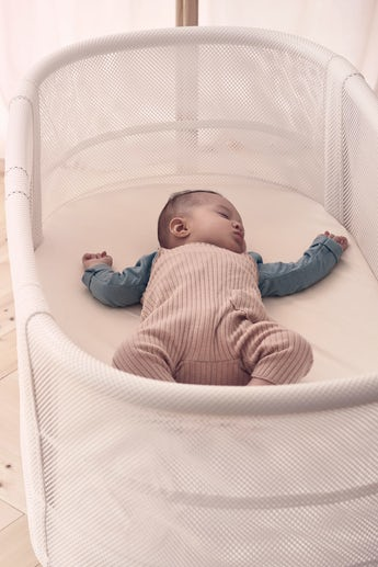 Babybett Weiss Mesh - BABYBJÖRN
