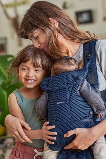 Baby Carrier Move Navy blue soft and airy Mesh - BABYBJÖRN