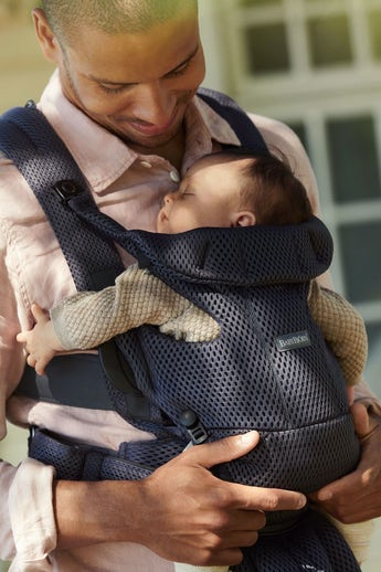 Baby Carrier Move Anthracite in soft and airy 3D Mesh - BABYBJÖRN