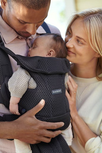 Baby Carrier Move with good support and waste belt, padded shoulder support