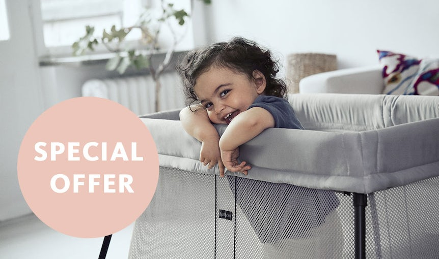 Special offer Travel Cot Light and Easy Go with Free Sheet - BABYBJÖRN