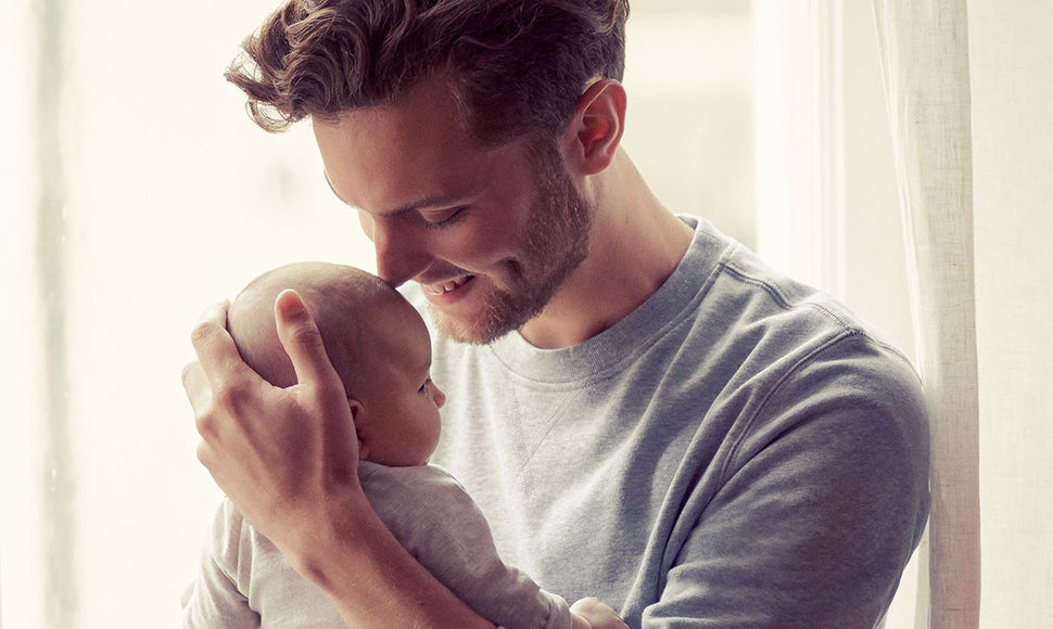 Tips for bonding with your newborn. | BABYBJÖRN This is Life
