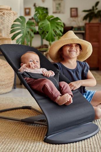 Babysitter Bliss svartgrå 3D Jersey med Leksak mjuka vänner - BABYBJÖRN