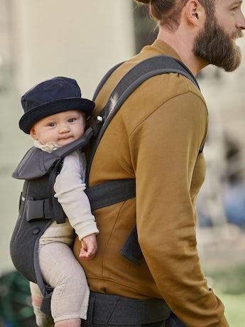 Babytrage One mit 4 Tragepositionen - BABYBJÖRN