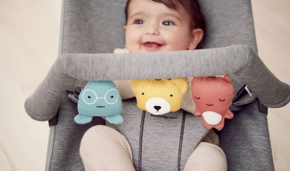 Baby Bouncer Bliss with a soft toy in cosy jersey - BABYBJÖRN