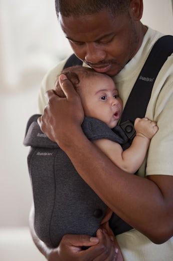 Babytrage Mini in Schwarzgrau 3D Jersey - BABYBJÖRN
