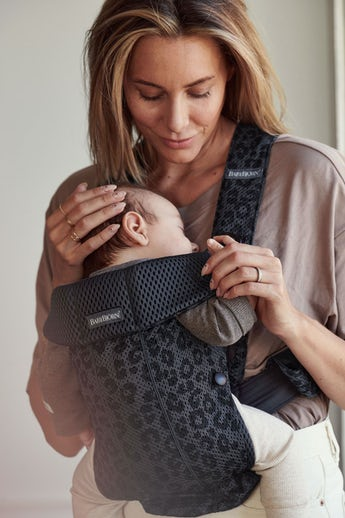 Baby Carrier Mini in Anthracite/Leopard 3D Mesh - BABYBJÖRN
