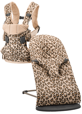 Babywippe Bliss und Babytrage One in Beige/Leopard cotton bundle