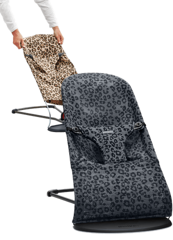 Bouncer Bliss Antracite Leopard Mesh with fabric seat in cotton leo - BABYBJÖRN